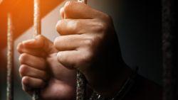Peruviaanse gevangene ontsnapt door verwisseling met tweelingbroer