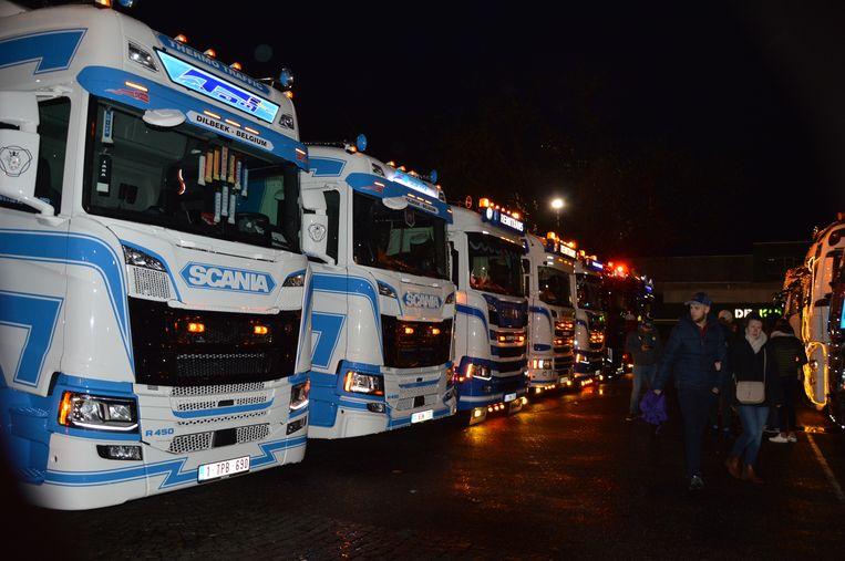 Enkele trucks op het Dr. Hemerijckxplein.