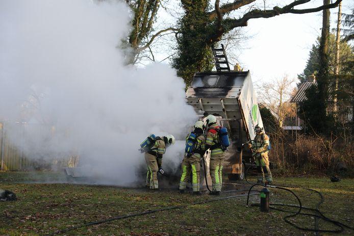 De brandweer was snel ter plaatse om de brand te blussen.