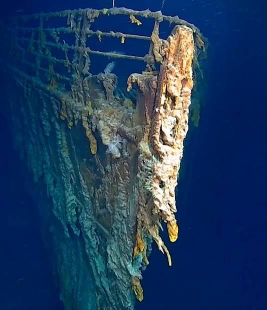 De boeg van de Titanic ligt op een diepte van zo'n 3800 meter in de Atlantische Oceaan.