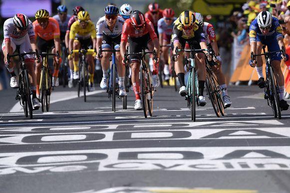 Van Aert wint de 10de etappe in Albi
