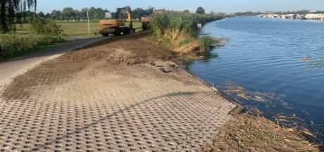 Twee hellingen voor nieuwe brandweerboot in molengebied Kinderdijk