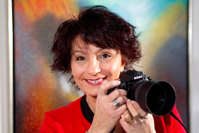 Fotografe Zenna Aydin exposeert haar foto's van 70-plussers in Deventer.