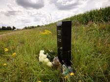 Buikpijn bij het zien van de plek in Deurningen waar Mitchel overleed: 'Besef dat hij er nooit meer zal zijn'