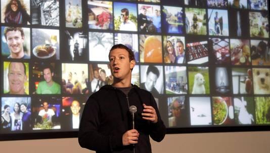Mark Zuckerberg spreekt in het hoofdkantoor van Facebook in Menlo Park, op 15 januari