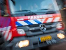 Auto belandt op zijn kop in het water in Nesselande, twee gewonden