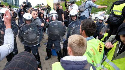 Politie sluit gele hesjes in aan Noordstation, al 32 arrestaties
