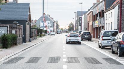 Wegen en Verkeer zwicht onder druk van gemeente en omwonenden: zebrapad op Nederzwalmsesteenweg komt terug