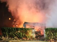 Brand verwoest stacaravan op camping in Rhenen