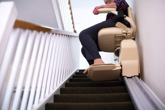 Een traplift is een voorbeeld van een hulpmiddel uit de Wmo.
