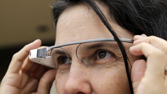 Cecilia Abadie en haar Google Glass.