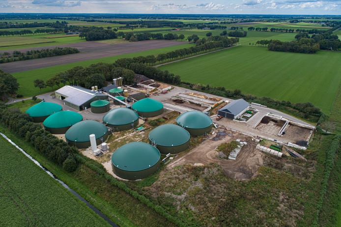 Loonbedrijf/biovergister BIO verwerker Anerveen B.V. aan de Krimweg in Anerveen. Het bedrijf wil uitbreiden met onder andere een loods voor de opslag van aardappelen. Die moet naast de vergistingssilo's worden gebouwd.