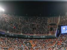 Ajax moet door straf UEFA zonder fans naar Chelsea in Champions League