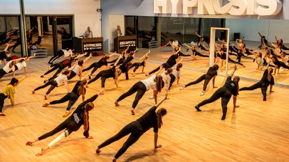 Hypnosis Dance Academy en De Dansacademie dansen de hele nacht voor De Warmste Week