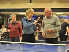 Tafeltennisclub De Toekomst krijgt Oldstars: niet alleen koffieleuten, maar ook serieus een balletje slaan