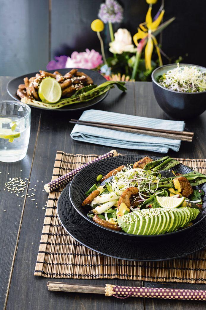 Oosterse salade met gegrilde bosui