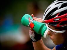 Het belang van koolhydraten: 'Neem sportdrank voor én tijdens wedstrijd'