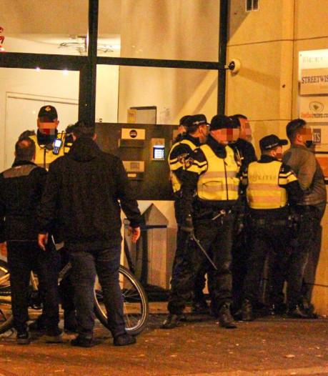 Onrustige uitgaansnacht in centrum van Arnhem: negen aanhoudingen