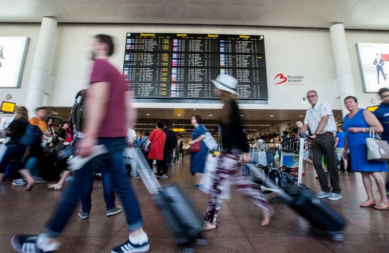 De vertrekhal van het Brusselse vliegveld Zaventem.  Beeld EPA