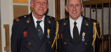 Brandweermannen uit Diessen krijgen koninklijke onderscheiding