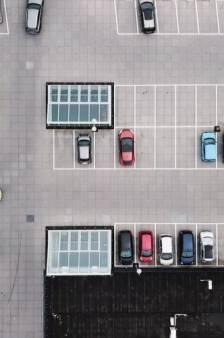 Nooit meer losliggende tegels op het parkeerdek van Winkelcentrum Bloemendaal