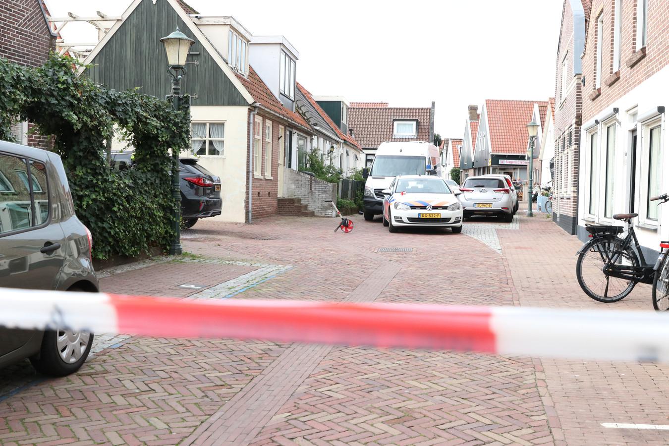 De plek waar het ongeval plaatsvond is vanmiddag afgezet.
