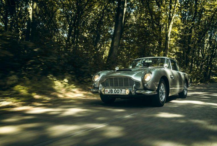 De Aston Martin DB 5, bouwjaar 1964, is te bewonderen tijdens het concours d'élégance. De wagen werd gebruikt voor de kaskraker 'Goldfinger' van James Bond.
