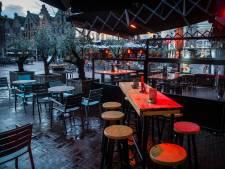 Cafés bang voor openen terrassen: 'Als mensen gedronken hebben, gaan ze tegen elkaar aan hangen'