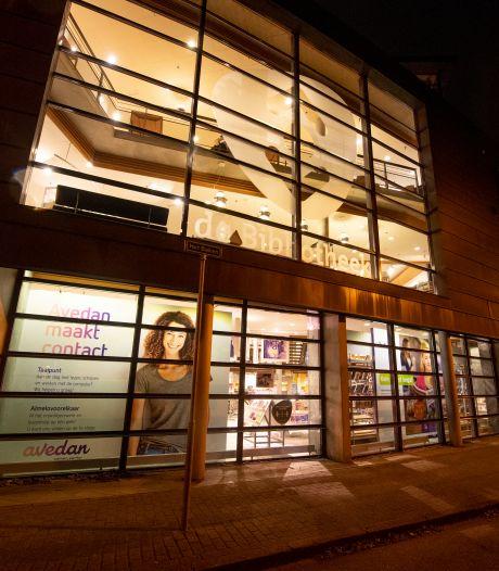 Bibliotheek Almelo blij met handreiking, maar trekt rechtszaak tegen gemeente nog niet in