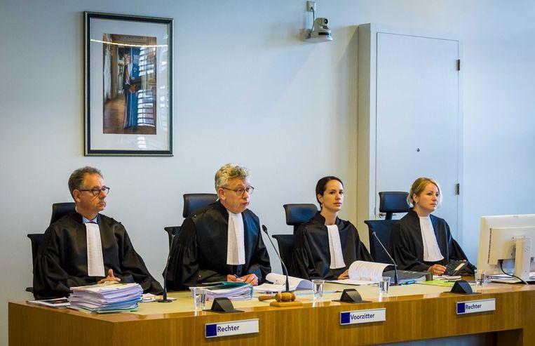 De rechtbank voor de rechtszaak tegen Michael P, die wordt verdacht van het verkrachten en doden van de 25-jarige Anne Faber uit Utrecht.  Beeld ANP
