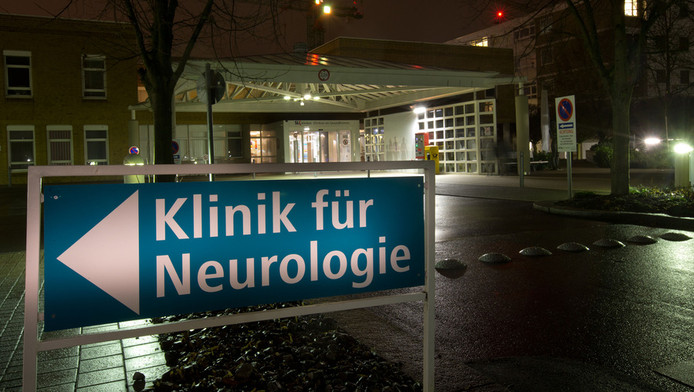 De ingang van het ziekenhuis in het Duitse Heilbronn.