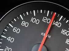 Automobilist rijdt 58 kilometer per uur te hard en moet zijn rijbewijs inleveren