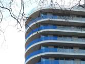 Eindelijk, TD-gebouw in Eindhoven wordt verlost van lelijk blauw bouwdoek