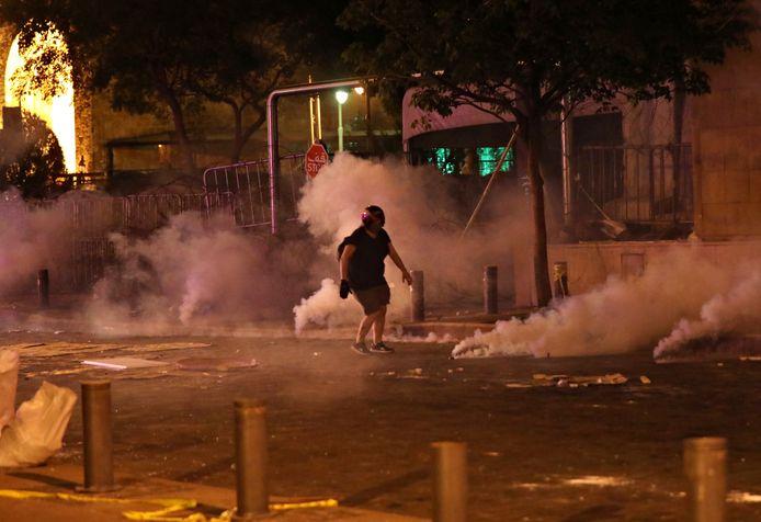 De veiligheidstroepen zetten onder meer traangas in om de betogers uiteen te drijven.