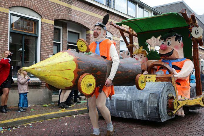 Een carnavalsoptocht, zoals hier op deze archieffoto uit Montfoort, zit er in het Groene Hart komende carnaval niet in.