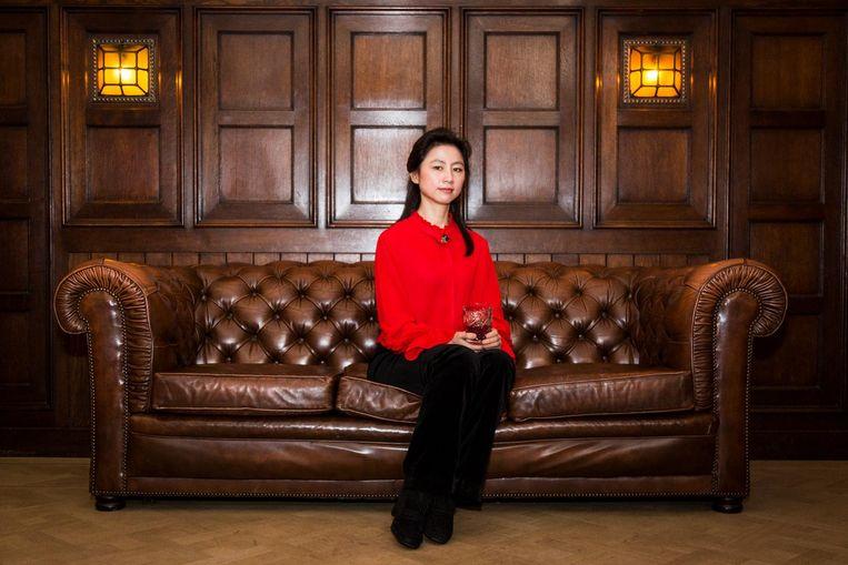 XiaoJia Xu: 'In de Dameszaal was het wachten op vader of man' Beeld Tammy van Nerum