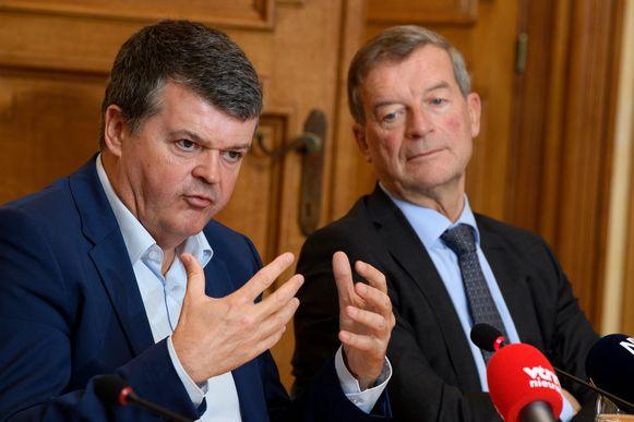 Minister Bart Somers (Open Vld) en Bilzens burgemeester Johan Sauwens (Trots op Bilzen).