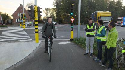 Fietsersbond van Deinze telt fietsers aan nieuwe poort Prijkels