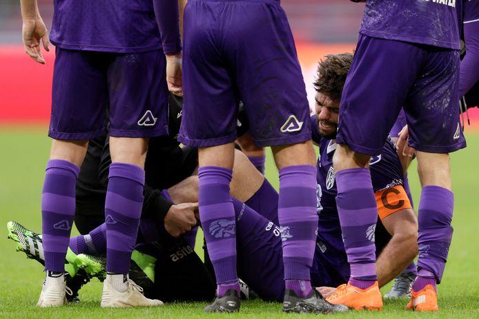 Robin Pröpper liep zondag tegen Ajax een blessure op en dacht aan een gescheurde kruisband.