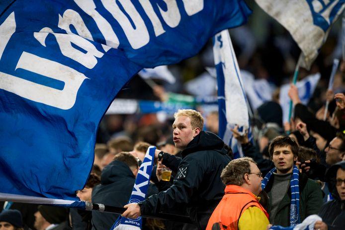 Eindelijk weer supporters naar de Ghelamco Arena.