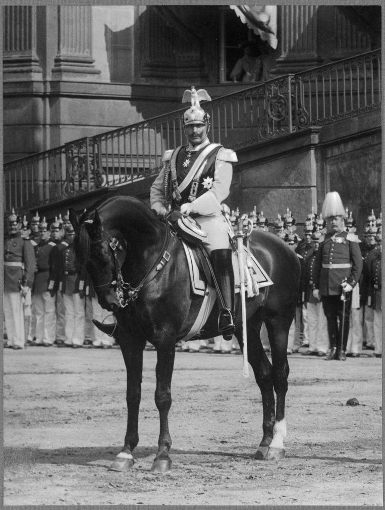 Wilhelm II te paard op de Lustgarten in Potsdam. Beeld null