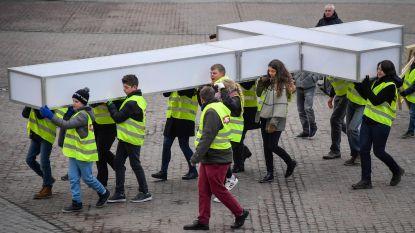 Passie-kruis doet Ros Beiaardstad aan
