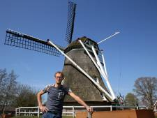 Zwoegen tussen razende raderen van molen De Leyen in Staphorst