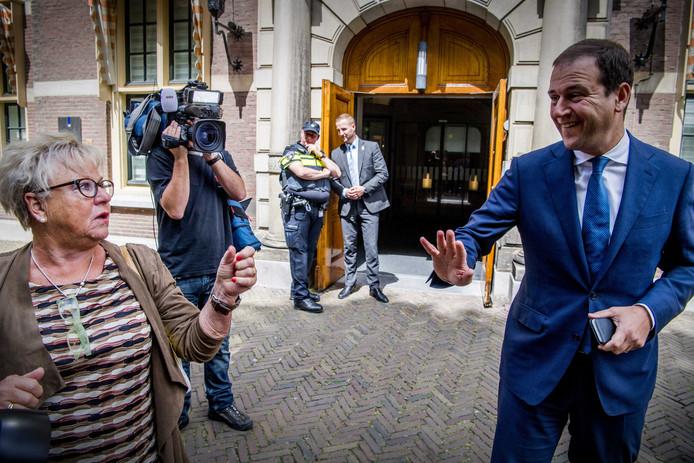 Demissionair minister van Sociale Zaken en Werkgelegenheid en vicepremier Lodewijk Asscher (PvdA) op het Binnenhof voor de wekelijkse ministerraad.