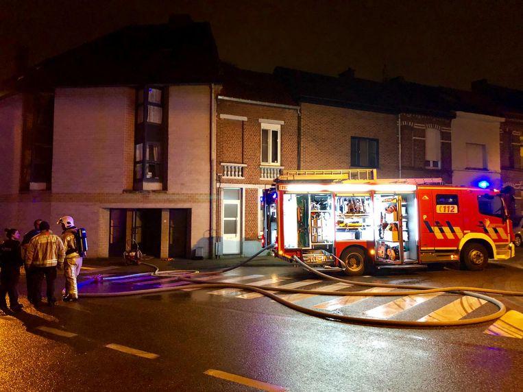 De brandweer kwam ter plaatse en de straat werd een tijdlang afgesloten.