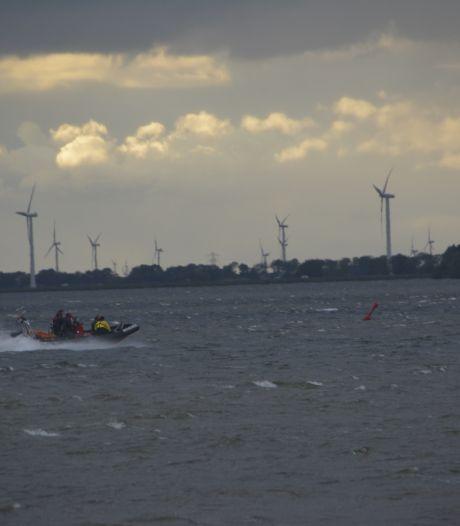 Jetskiër in problemen op Wolderwijd: vissersbootje brengt redding