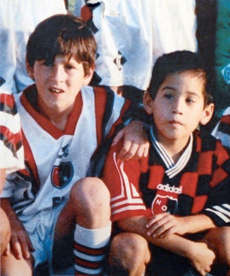 Messi (l) bij het Argentijnse Newells Old Boys uit Rosario.