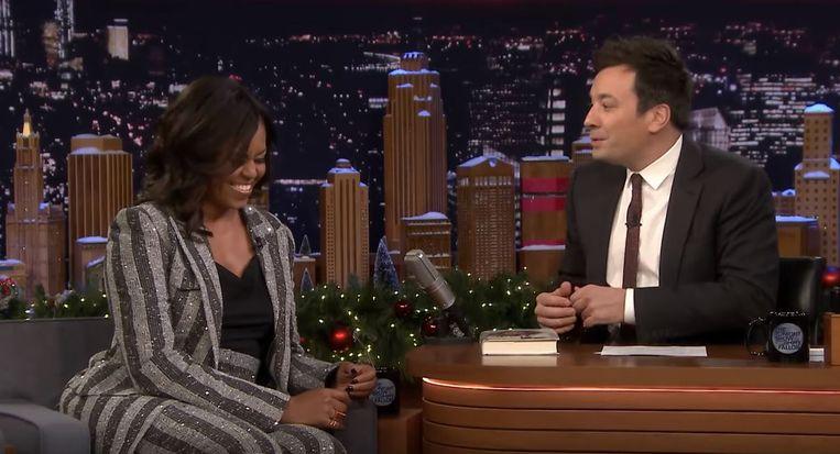 Michelle Obama droeg de Duet Pinky Ring bij de The Tonight Show van Jimmy Fallon.