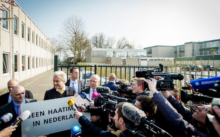 Leden van de PVV, onder wie leider Geert Wilders, demonstreerden in april tegen de komst van radicale imams bij een islamitische conferentie, georganiseerd door Stichting AlFitrah. Beeld anp
