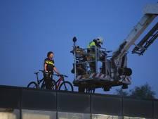 Dieven breken in via dak en stelen fietsen in Zaltbommel